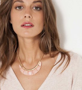 Collier pierres roses femme