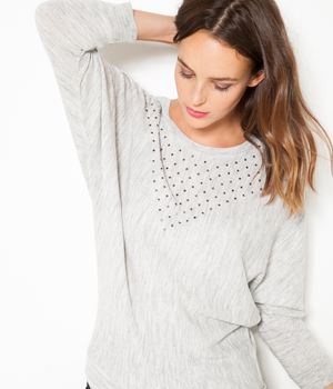 Pull femme loose à strass